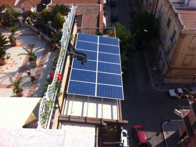 IMPIANTO RESIDENZIALE SU TETTO A FALDA. P 2.82 kWp
